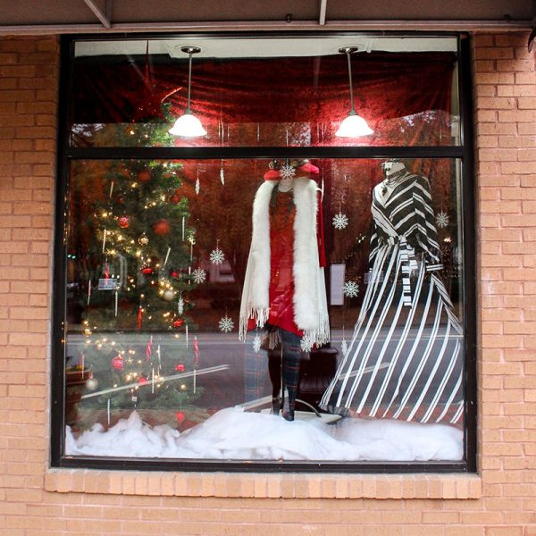 Satoria on the Square | Merry Marietta Window Walk Contestant