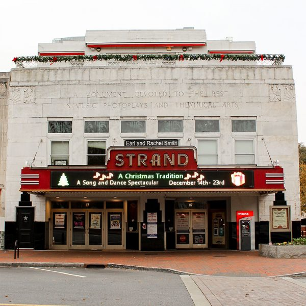 Strand Theatre | Merry Marietta Window Walk Contestant